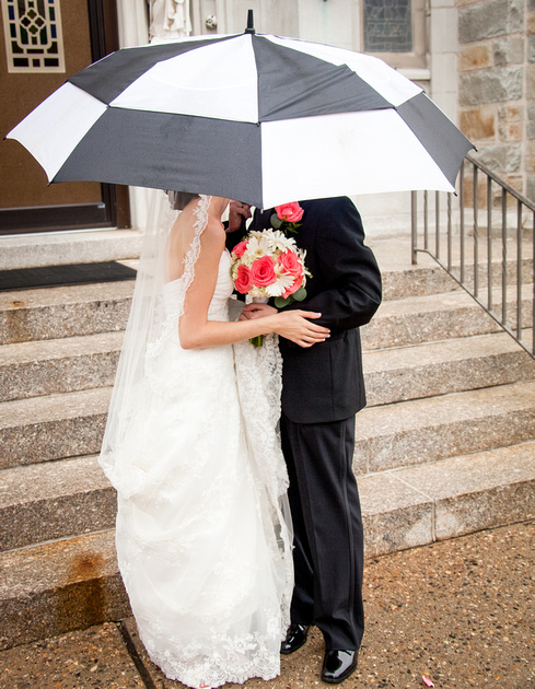 Rainy Day Weddings 9590